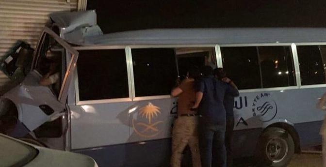 """حادث مروري يصرع مضيفة """"الخطوط السعودية"""" قبل وصولها للمطار"""