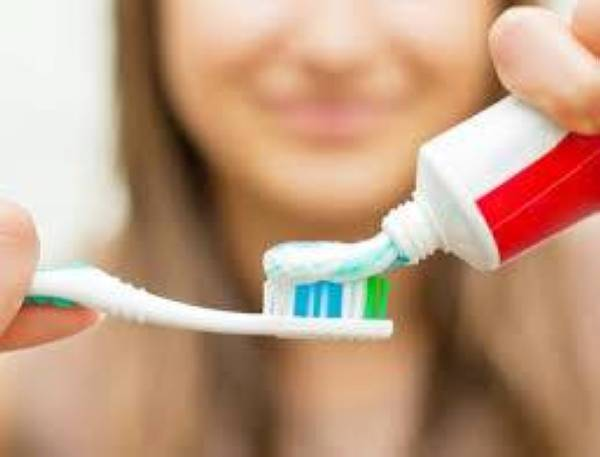 تنظيف الأسنان 3 مرات يقلل فشل القلب 10%