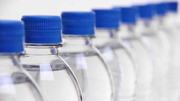 مادة في عبوات المياه البلاستيك تُسبب العقم