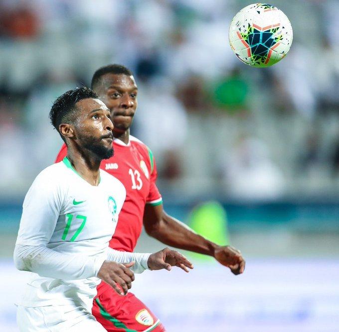 الأخضر يهزم عمان بثلاثية ويتأهل ليواجه قطر في نصف النهائي