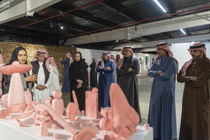 """وزارة الثقافة تطلق معرض """"من الداخل"""" في المنطقة الصناعية بالدرعية"""