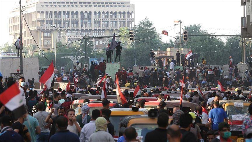 بغداد .. توافد حشود بشرية على ساحة التحرير وسط انتشار أمني واسع