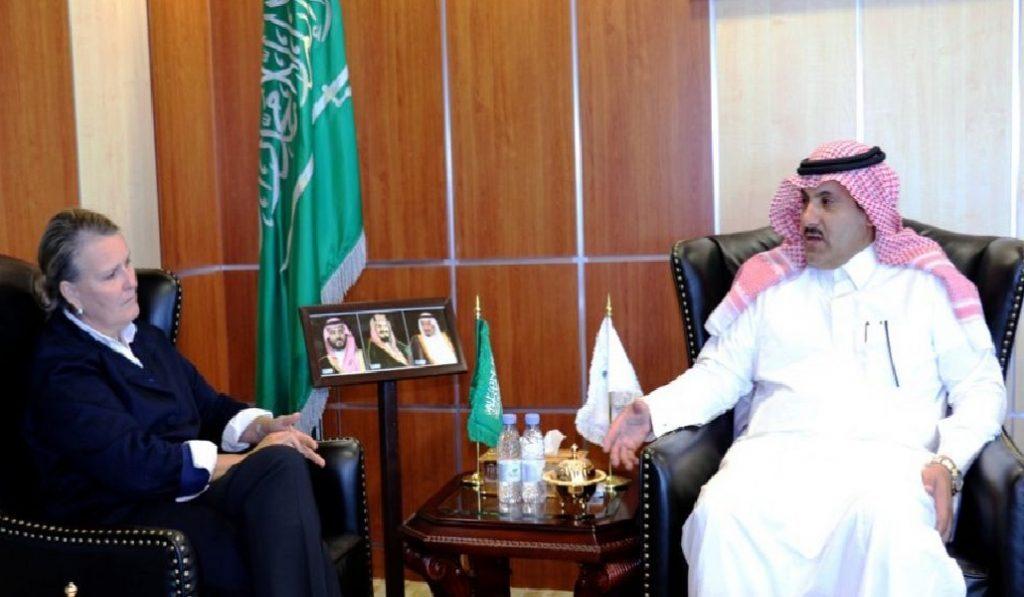 السفير آل جابر يلتقى منسقة الأمم المتحدة للشؤون الإنسانية باليمن