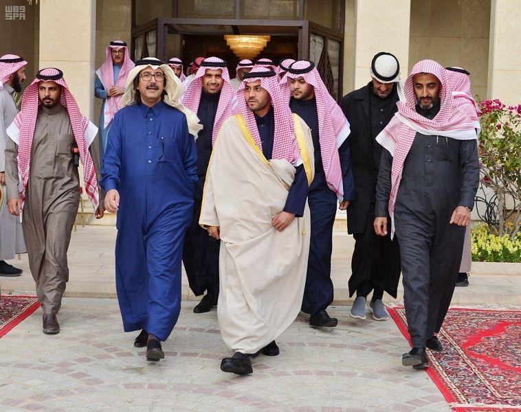 سمو نائب أمير منطقة حائل يقدم العزاء لأسرة الرشيد