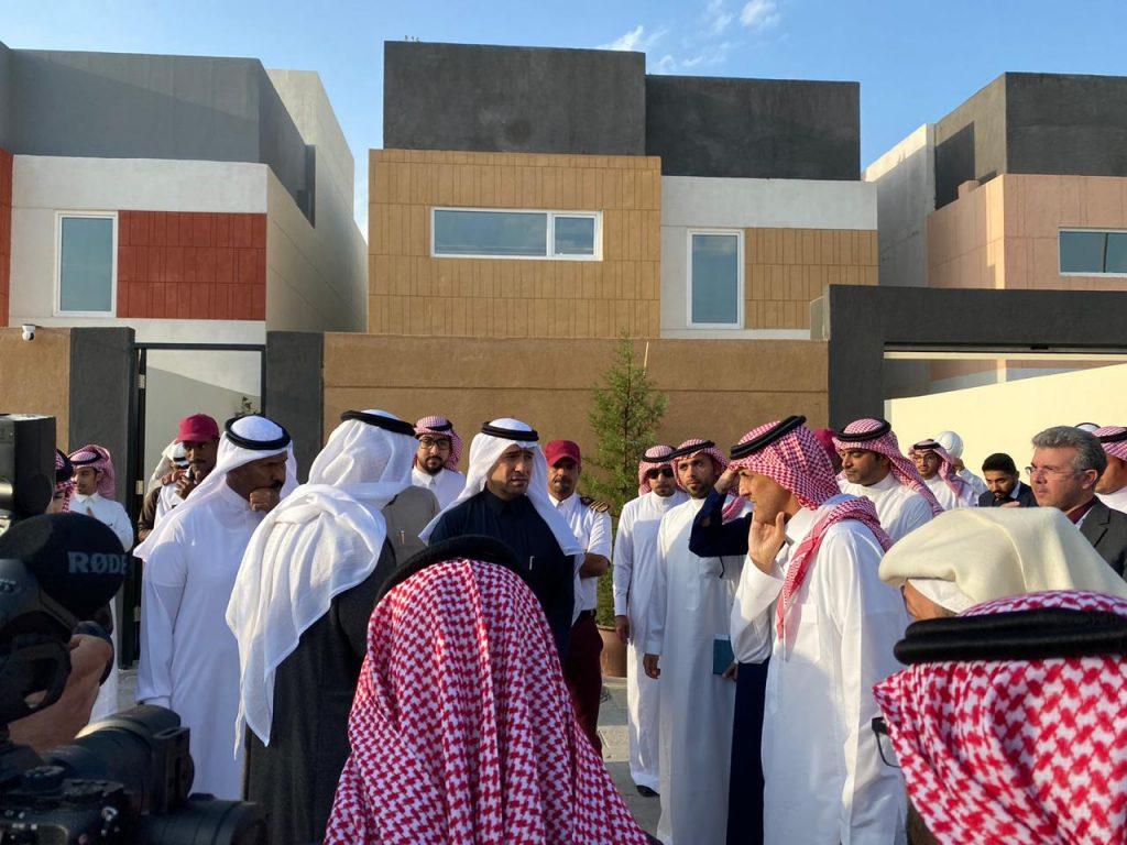 """""""وزير الإسكان"""" يتفقد المشاريع السكنية بالمنطقة الشرقية  .. تضم أكثر من 6 آلاف وحدة سكنية"""