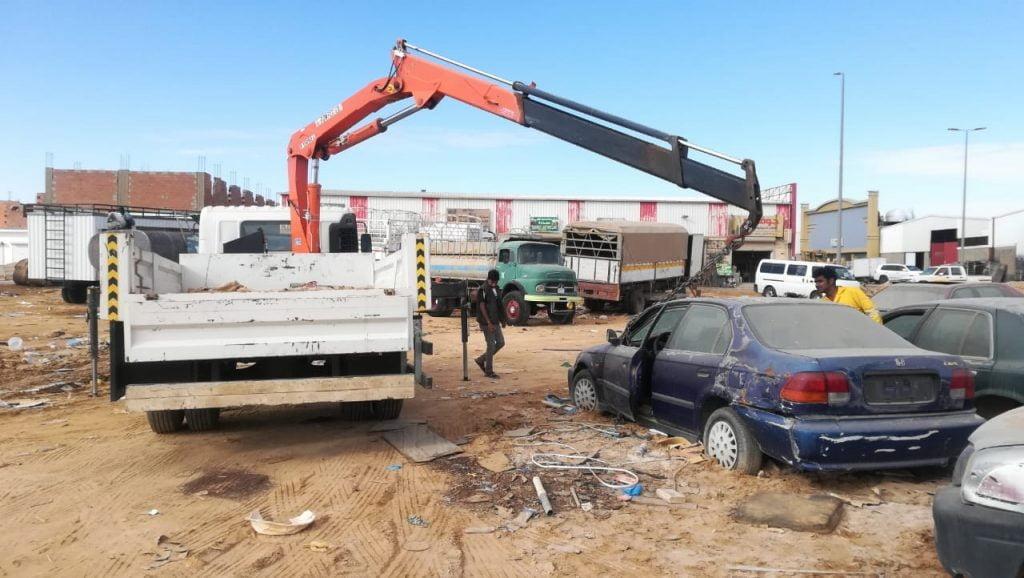 إزالة أكثر من ٤٠ سيارة تالفه بمدينة سكاكا