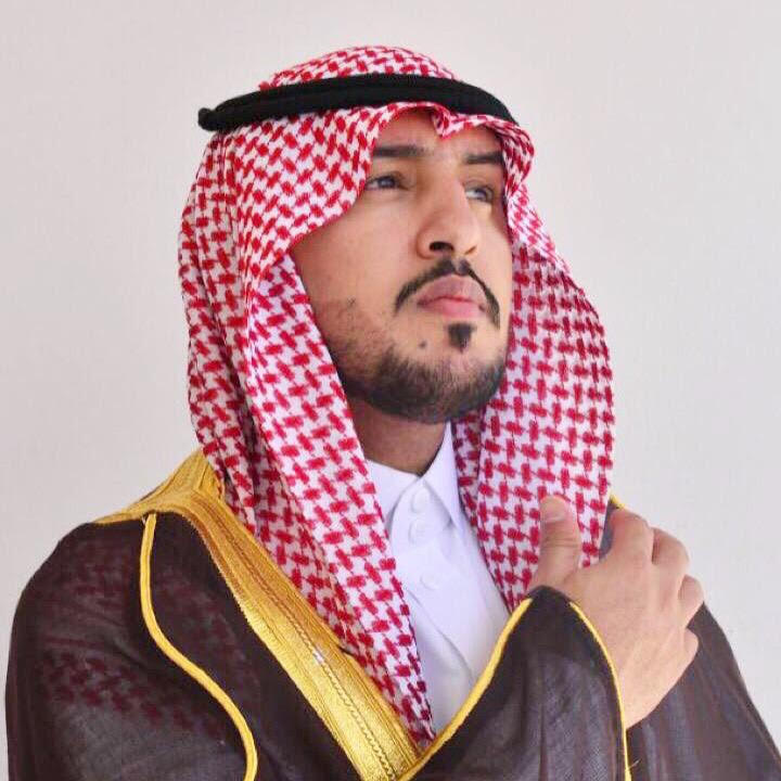 الزميل محمد العنزي يحصل على درجة البكالوريوس في إدارة الأعمال