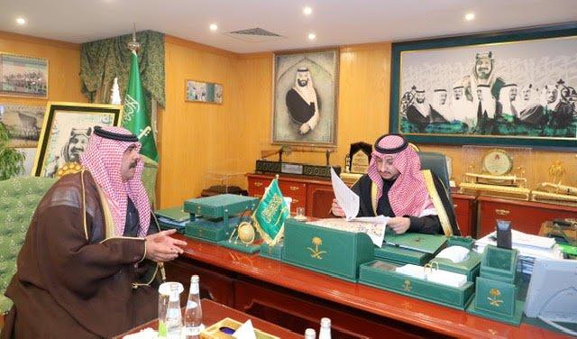 نائب أمير منطقة الجوف يلتقي مدير خدمات المياه بالمنطقة