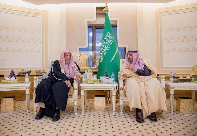 أمير القصيم يستقبل معالي المستشار بالديوان الملكي عضو هيئة كبار العلماء الشيخ بن حميد