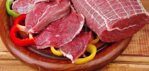 طبيب تغذية يوضح ما هي اللحوم المصنّعة في المختبرات وما يميزها عن الطبيعية