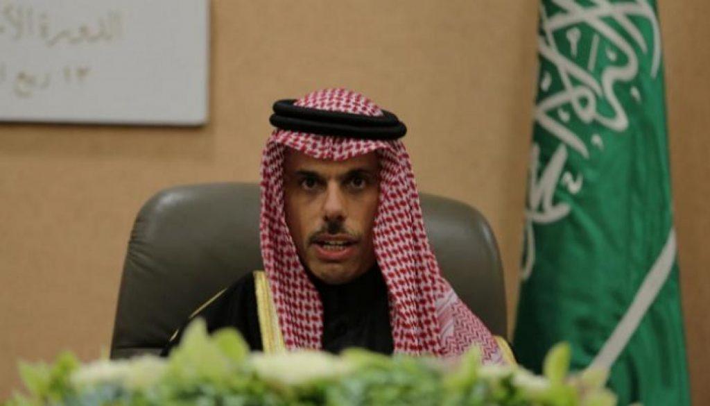 وزير الخارجية: ندعم فلسطين ولا علاقة لنا بإسرائيل.. وإيران عدو الجميع