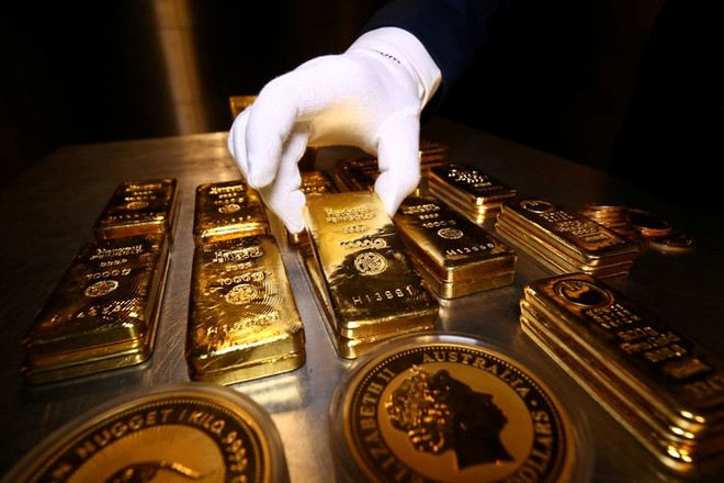 سعر الذهب يستقر عند 1723.30 دولاراً أمريكياً
