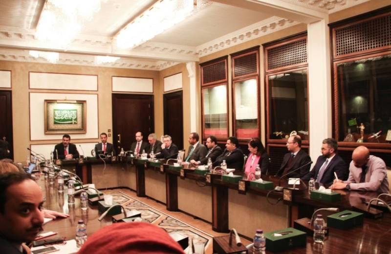 سمو سفير خادم الحرمين الشريفين لدى المملكة المتحدة والسفير آل جابر يلتقيان شخصيات سياسية ودبلوماسية وإعلامية في لندن