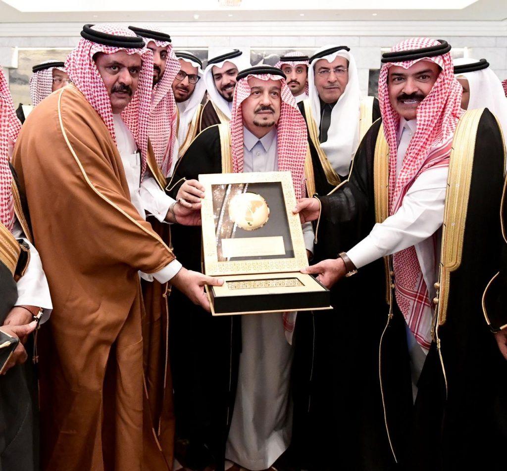 الأمير فيصل بن بندر يستقبل رئيس مجلس الغرف السعودية