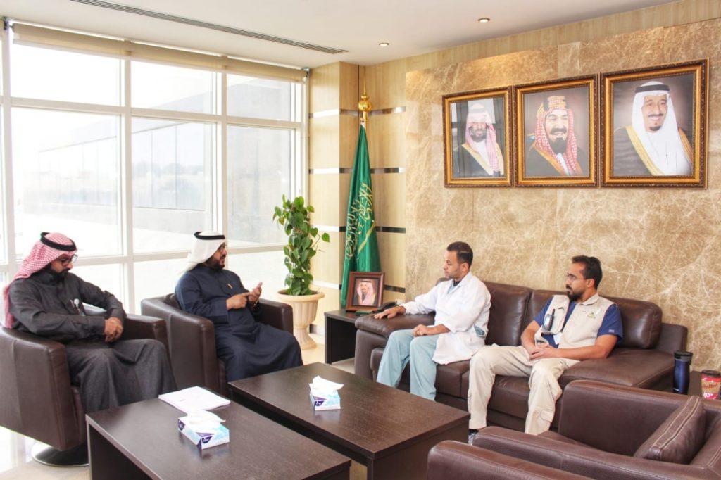 """التويجري يبحث تطوير النقل الإسعافي في """"صحة الرياض"""""""