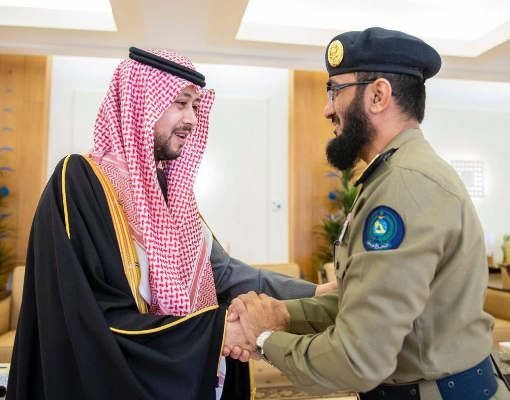 نائب أمير القصيم يستقبل مدير الدفاع المدني بالمنطقة