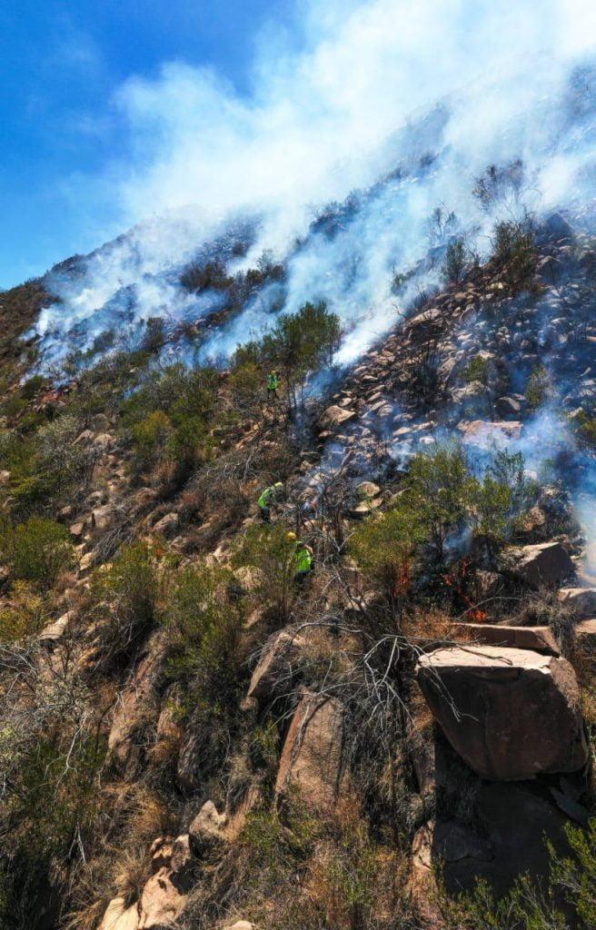 الدفاع المدني يسيطر على حريق جبل الصليل بمحافظة الدائر