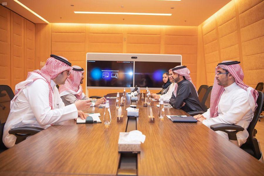 نائب أمير منطقة حائل يلتقي نائب وزير الثقافة بحي البجيري بالدرعية