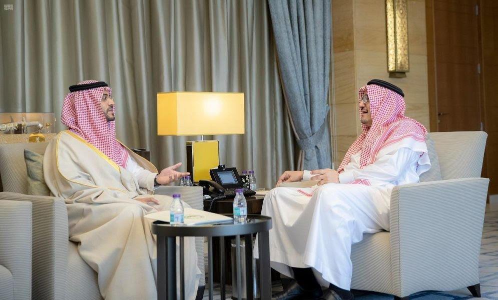 نائب أمير منطقة حائل يلتقي وزير التعليم