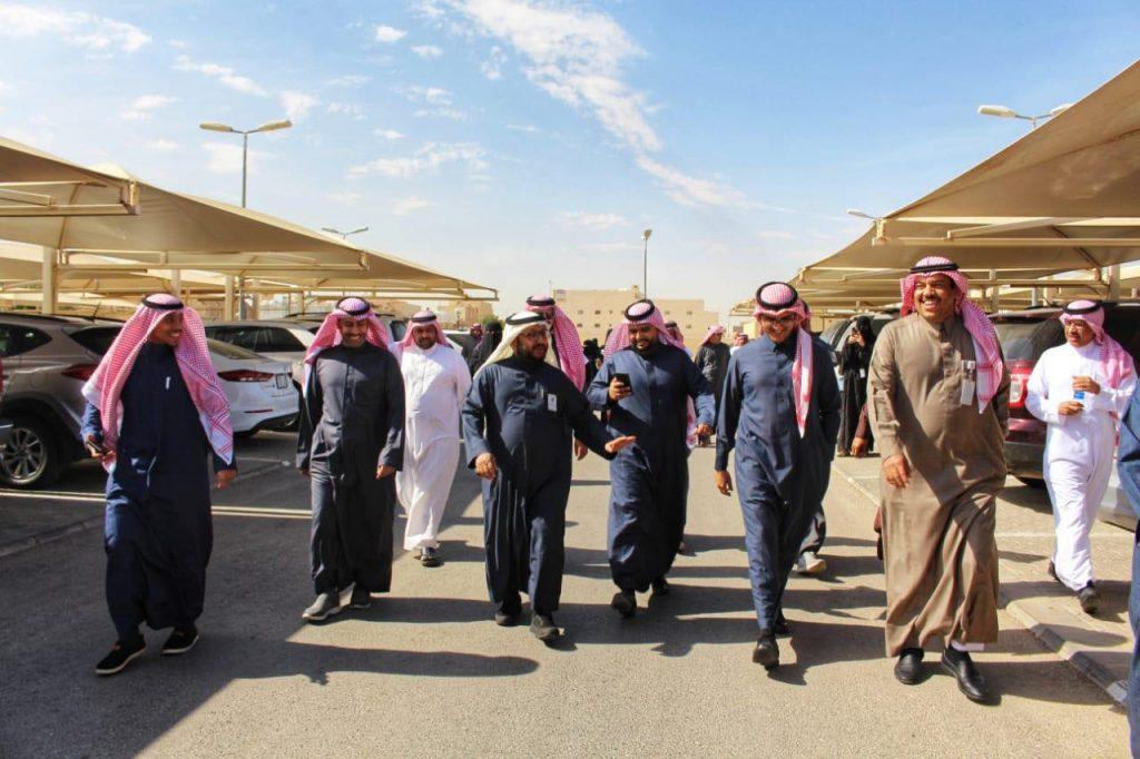 """التويجري يتقدم مشاة """"صحة الرياض"""" في حملة #امش30"""