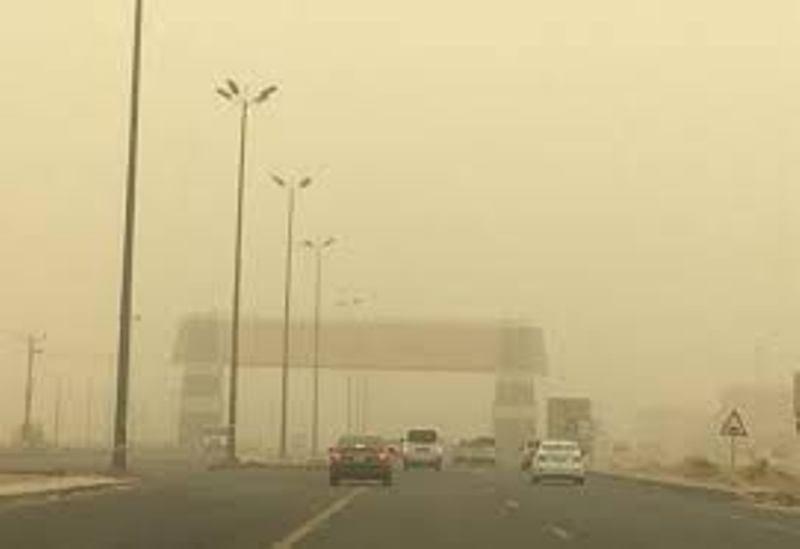 رياح نشطة وسحب رعدية على منطقة الباحة