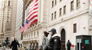 امريكا توجه مواطنيها بإعادة النظر في السفر إلى الخارج بسبب جائحة كورونا