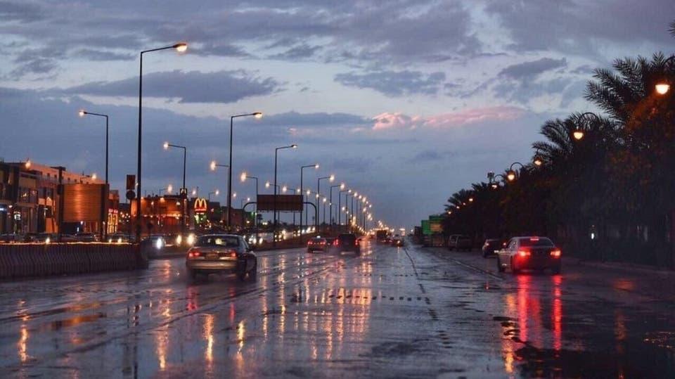 هطول أمطار رعدية بالرياض ونجران وعسير والباحة