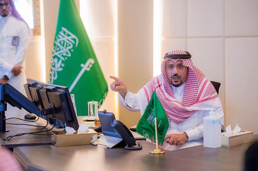 أمير القصيم يرأس الاجتماع الطارئ لمتابعة الإجراءات الاحترازية للوقاية من فيروس كورونا بالمنطقة
