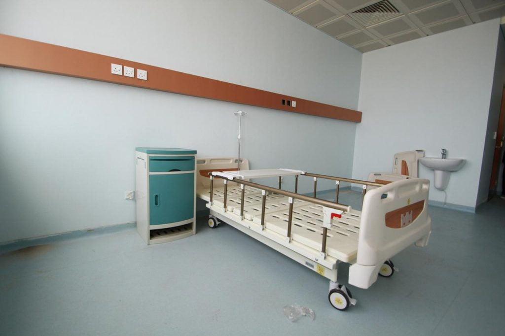 جامعة جازان تجهز مركزا طبيا لكورونا بطاقة 220 سريرا