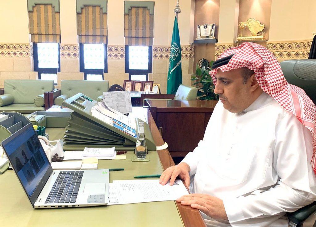 وكيل إمارة الرياض يرأس اجتماع للجنة الطوارىء بالمنطقة