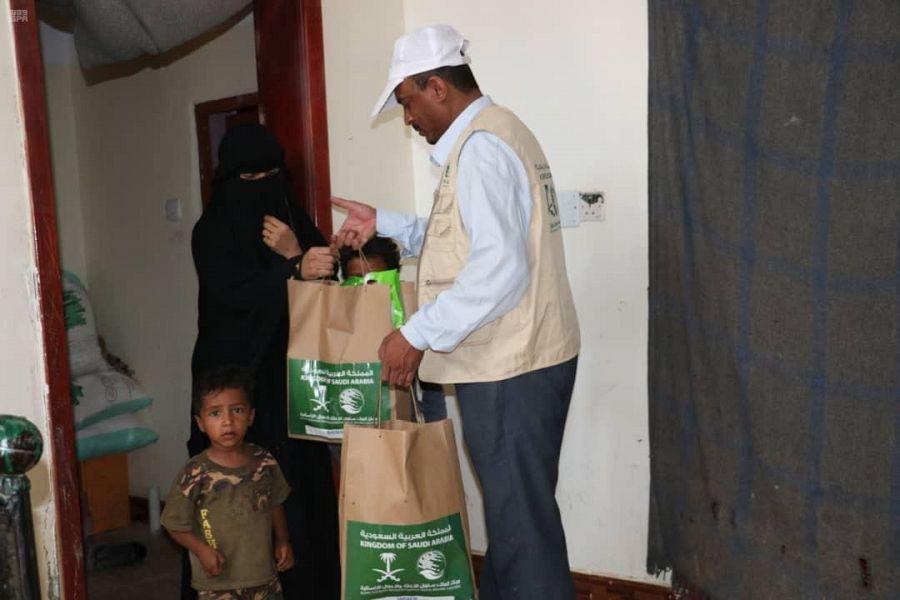 مركز الملك سلمان للإغاثة ينفذ مشاريع إنسانية متنوعة للأيتام وأسرهم في اليمن