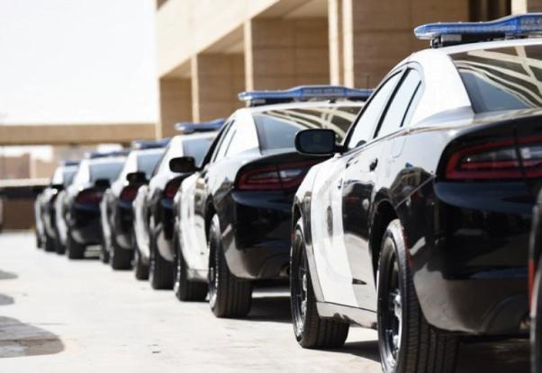 الإطاحة بعصابة إجرامية من 7 أشخاص احتالوا على المواطنين والمقيمين لجمع الأموال