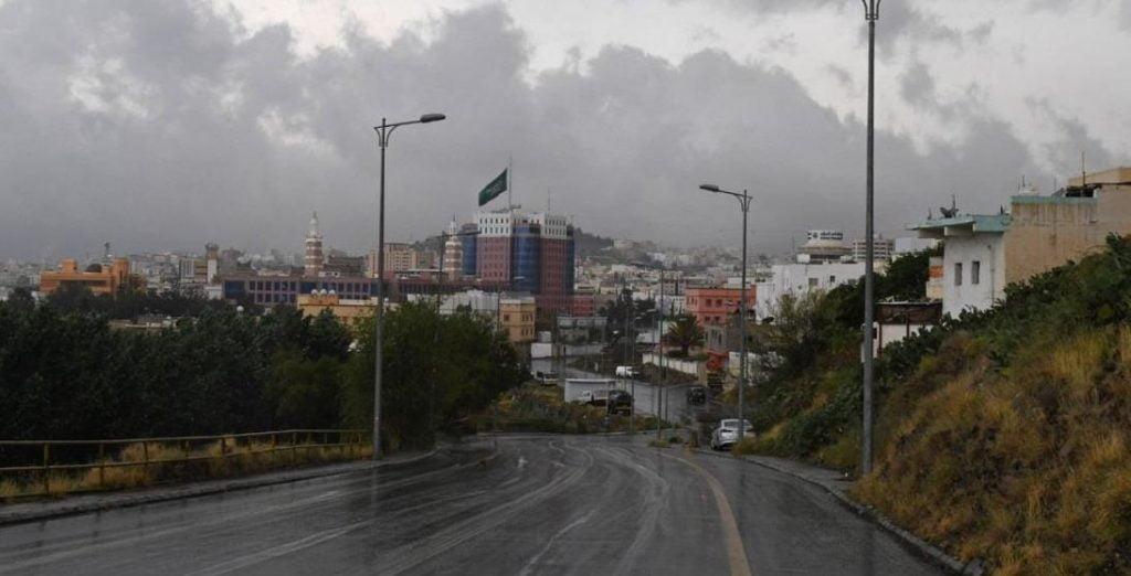 """""""الأرصاد"""" تنبه من هطول أمطار على منطقتي عسير وجازان"""