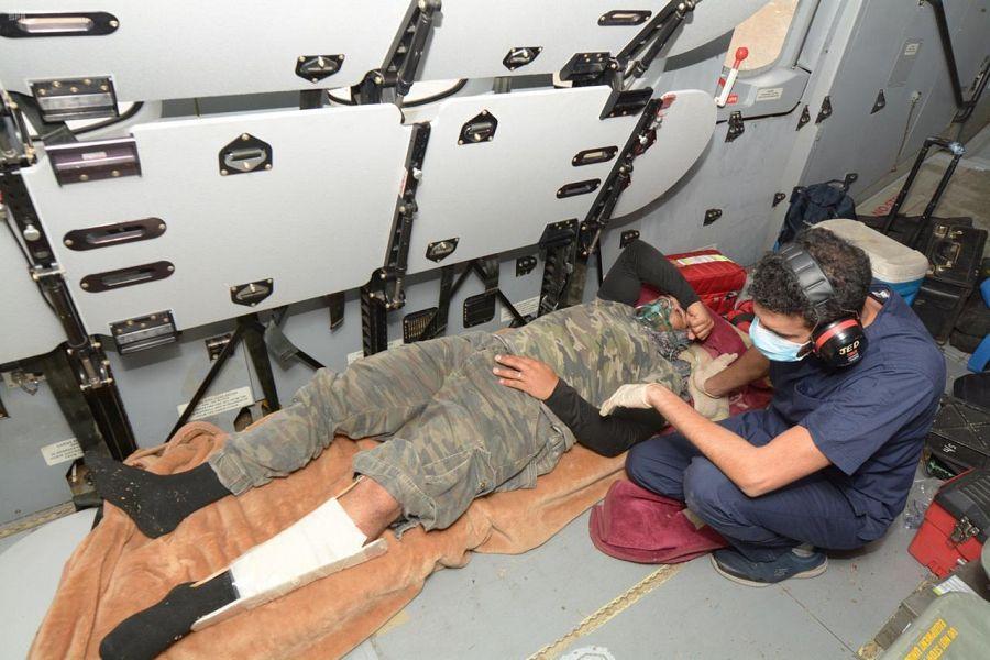 قبيل الإفطار.. طيران الأمن بأمن الدولة ينقذ مصابا محتجزا في أعلى قمة جبل بالمدينة المنورة