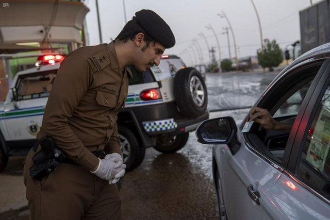 استمرار  جهود أمن الطرق بمنطقة نجران في تطبيق أمر منع التجول