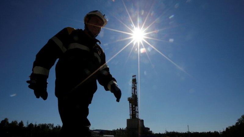 النفط يواصل الارتفاع.. وبرنت فوق 36 دولاراً للبرميل
