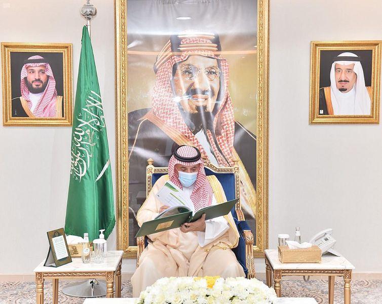 أمير نجران يطّلع على جاهزية الشؤون الإسلامية لإقامة صلاة الجمعة غدًا