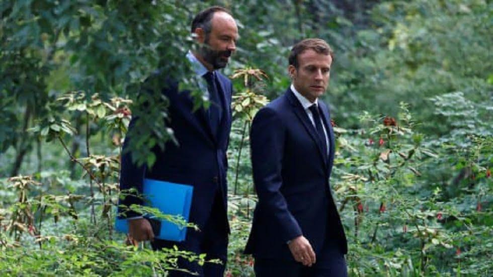 رئيس الوزراء الفرنسي يقدم استقالة حكومته
