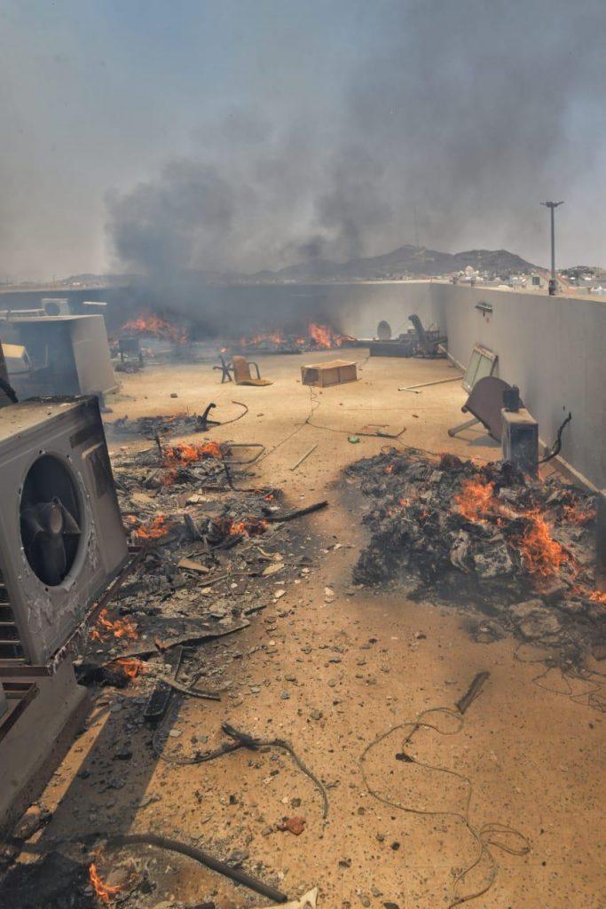 الدفاع المدني في حائل يخمد حريق إندلع في سطح مبنى إدارة مياه حائل