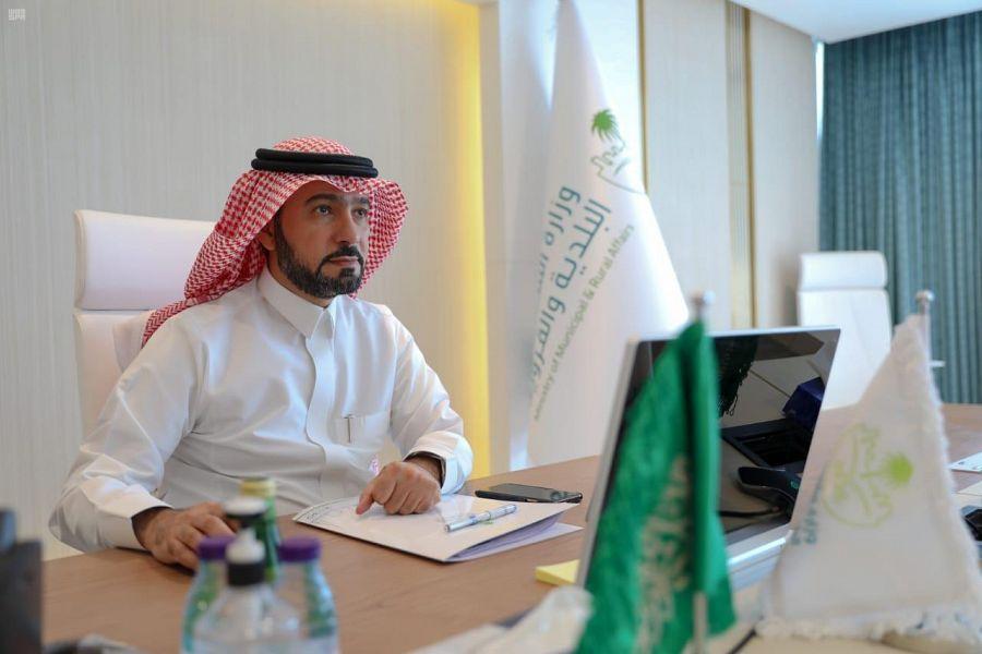 وزير الشؤون البلدية والقروية والإسكان يعتمد المخطط الإعلاني لأمانة الشرقية