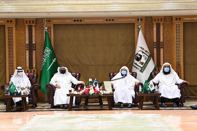 المجلس التنسيقي للجهات العاملة بالمسجد النبوي يناقش الاستعدادات لاستقبال المصلين بالروضة الشريفة ضمن المرحلة الثانية