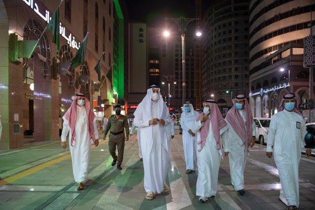 أمير المدينة المنورة يتفقد مشاريع تطوير بعض مرافق المنطقة المركزية المحيطة بالمسجد النبوي