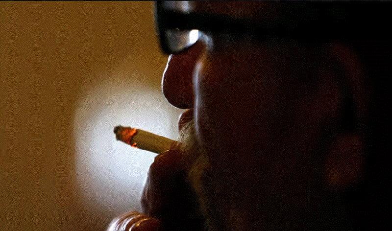أخيرا.. العلماء يكتشفون علاقة التدخين بـ«كورونا»