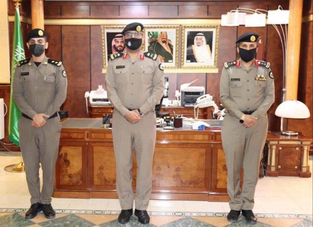 مدير شرطة تبوك يقلّد عدداً من الضباط رتبهم الجديدة