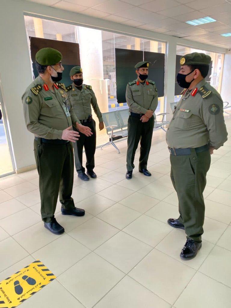 مدير جوازات تبوك يقف على سير العمل بمنفذ حالة عمار