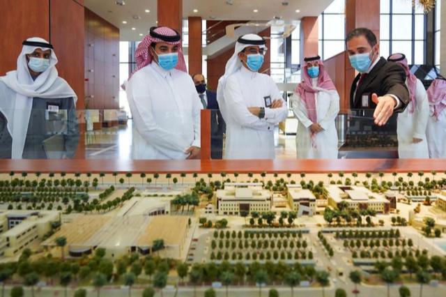 الأكاديمية الوطنية توقع عقد شراكة مع جامعة الأمير محمد بن فهد لتدريب الطلاب الموهوبين