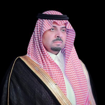 أمير منطقة الحدود الشمالية يعزي ذوي الجندي أول ناصر العنزي