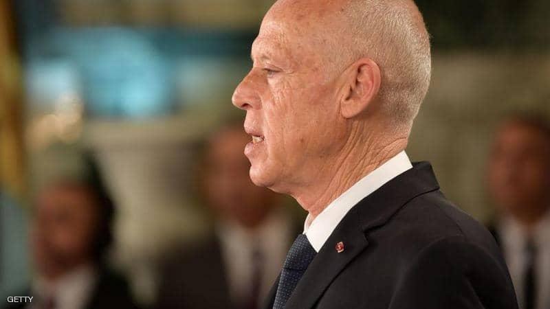 """بداخله مسحوق.. القصر الرئاسي التونسي يتلقى ظرفا """"مشبوها"""""""