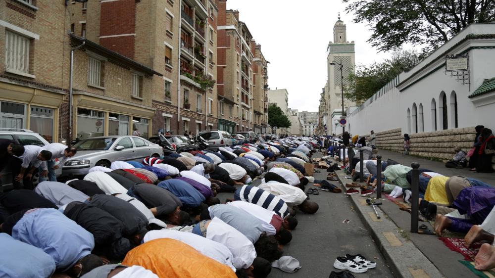 إغلاق تسعة مساجد وإستهداف العشرات في فرنسا