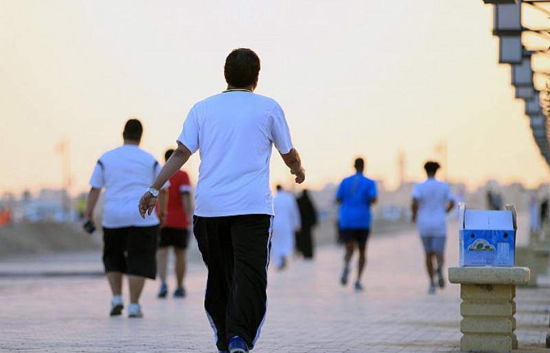 المشي 40 دقيقة يخفض الضغط وخطر الإصابة بأمراض القلب